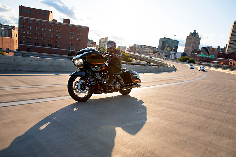 2021 Harley-Davidson CVO™ Road Glide® in Portage, Michigan - Photo 14
