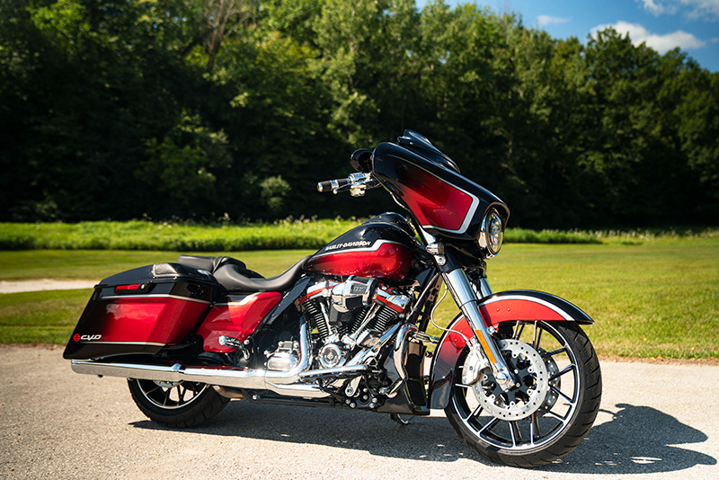 2021 Harley-Davidson CVO™ Street Glide® in Chippewa Falls, Wisconsin - Photo 6