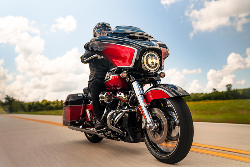 2021 Harley-Davidson CVO™ Street Glide® in Pittsfield, Massachusetts - Photo 10