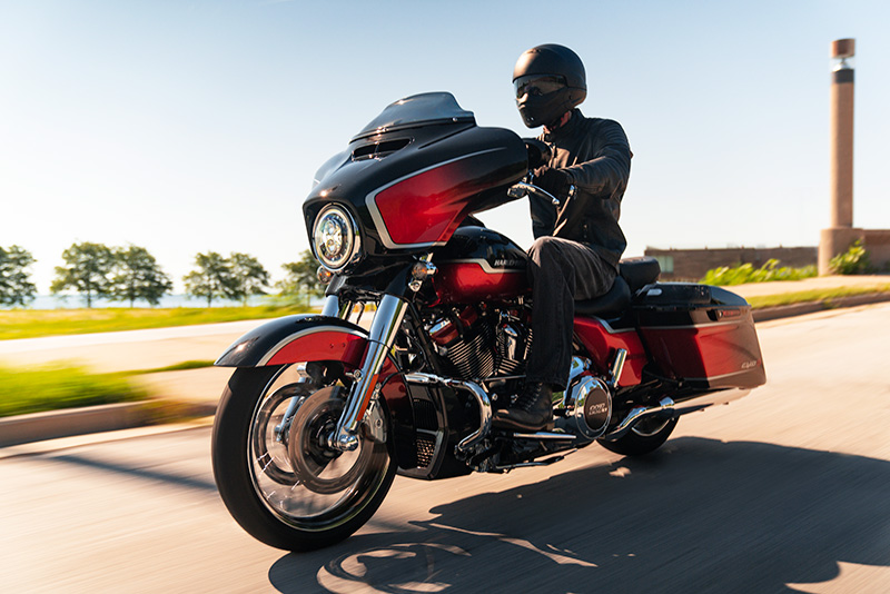 2021 Harley-Davidson CVO™ Street Glide® in Chippewa Falls, Wisconsin - Photo 11