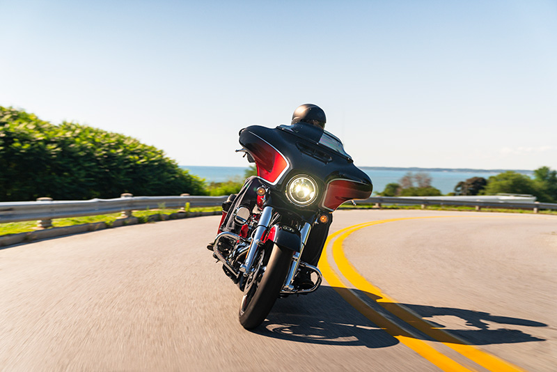 2021 Harley-Davidson CVO™ Street Glide® in Kingwood, Texas - Photo 12