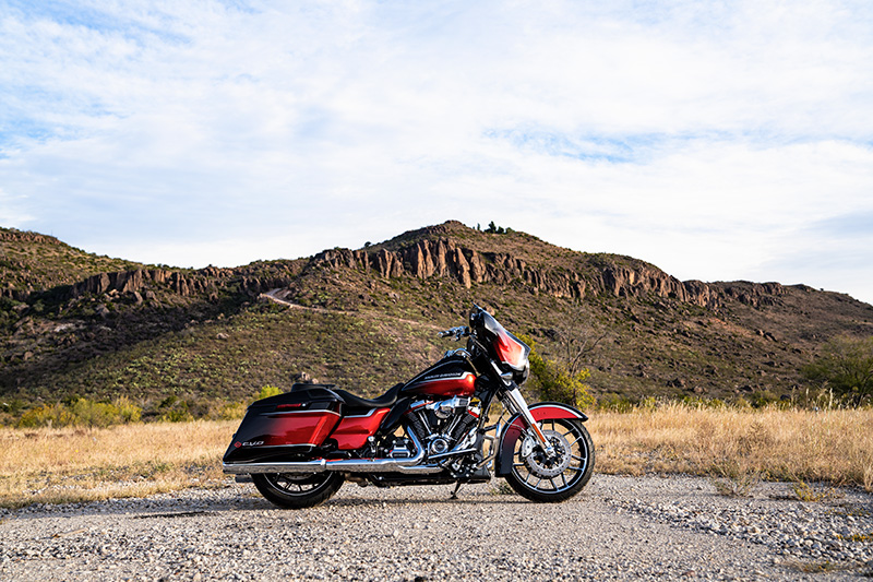2021 Harley-Davidson CVO™ Street Glide® in Chippewa Falls, Wisconsin - Photo 13