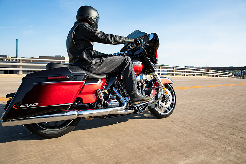 2021 Harley-Davidson CVO™ Street Glide® in Mauston, Wisconsin - Photo 16