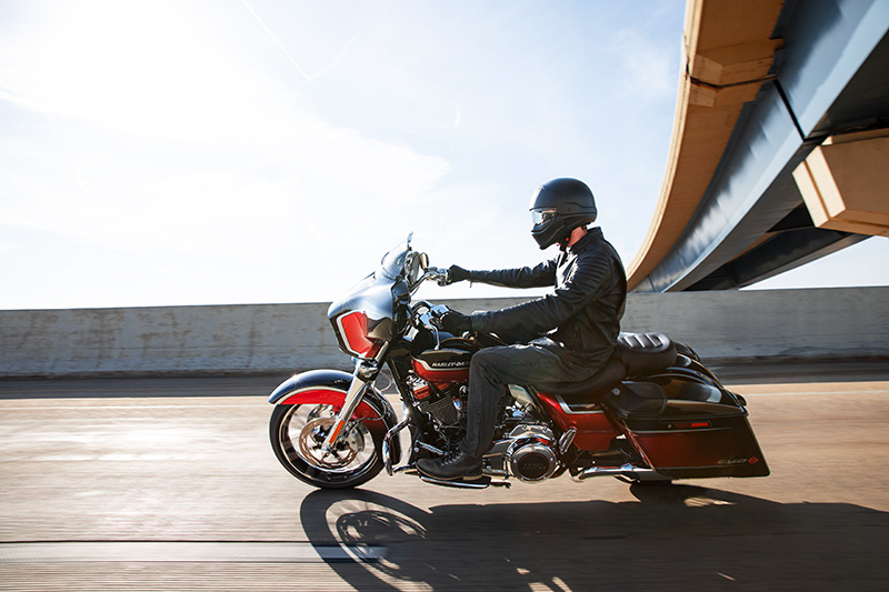 2021 Harley-Davidson CVO™ Street Glide® in Kingwood, Texas - Photo 18