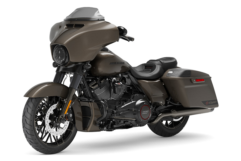 2021 Harley-Davidson CVO™ Street Glide® in Chippewa Falls, Wisconsin - Photo 4
