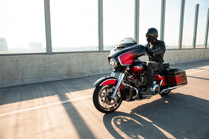 2021 Harley-Davidson CVO™ Street Glide® in Lafayette, Indiana - Photo 19