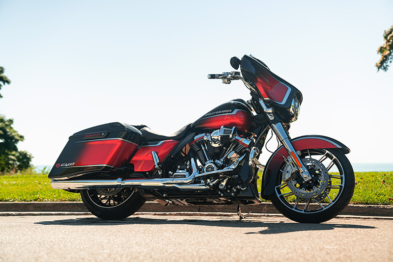 2021 Harley-Davidson CVO™ Street Glide® in Cayuta, New York - Photo 8