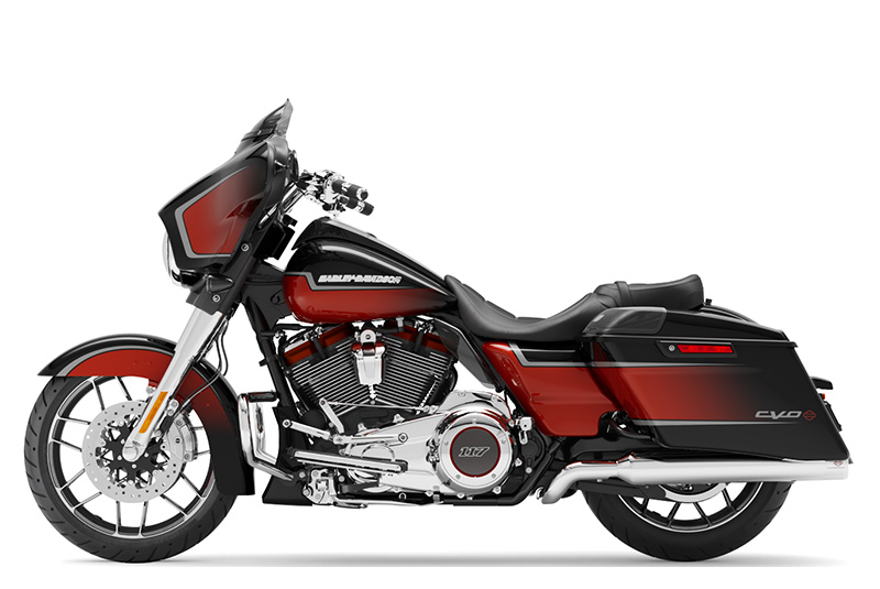 2021 Harley-Davidson CVO™ Street Glide® in Green River, Wyoming - Photo 2