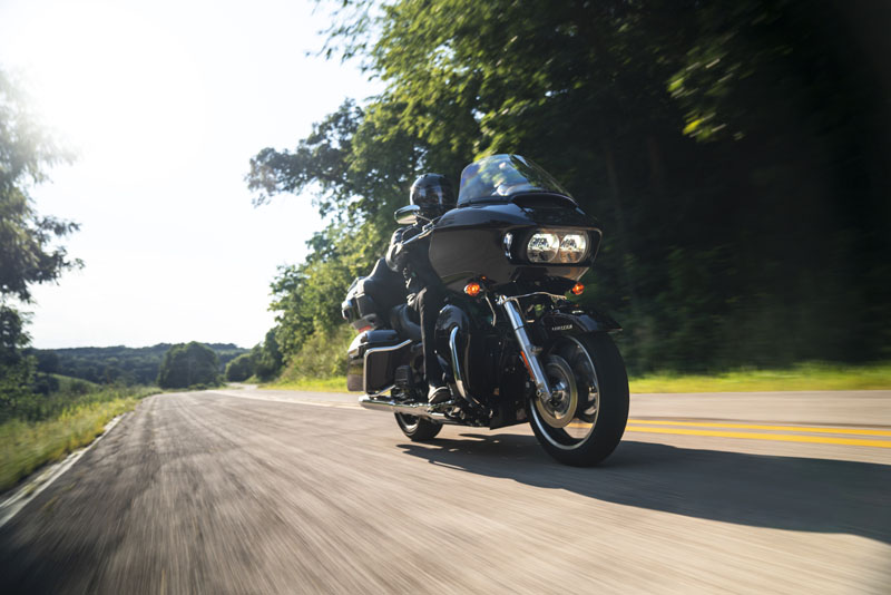 2021 Harley-Davidson Road Glide® in Cedar Rapids, Iowa - Photo 10