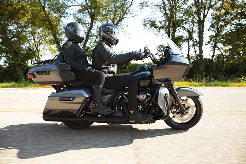 2021 Harley-Davidson Road Glide® Limited in New York Mills, New York - Photo 11