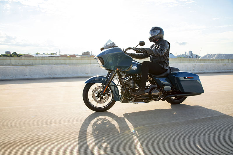 2021 Harley-Davidson Road Glide® Special in Cedar Rapids, Iowa - Photo 8