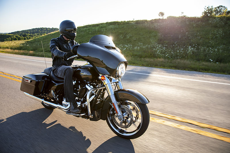 2021 Harley-Davidson Street Glide® in Albert Lea, Minnesota - Photo 9