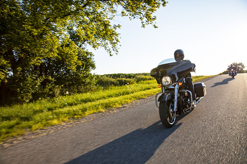 2021 Harley-Davidson Street Glide® in Hico, West Virginia - Photo 10