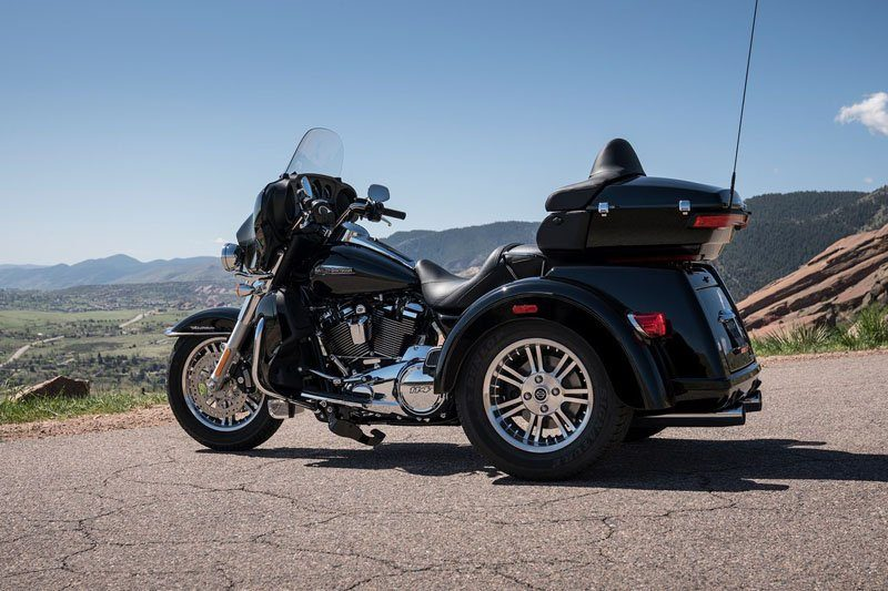 2019 Harley-Davidson Tri Glide® Ultra in Burlington, North Carolina - Photo 2