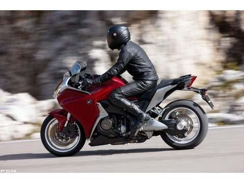 2010 Honda VFR1200F in Scottsdale, Arizona - Photo 6