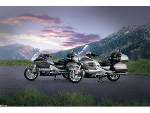 2010 Honda Gold Wing® Audio Comfort in Scottsdale, Arizona - Photo 2