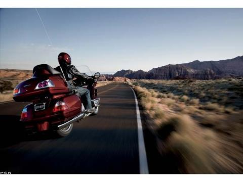 2010 Honda Gold Wing® Audio Comfort in Scottsdale, Arizona - Photo 3