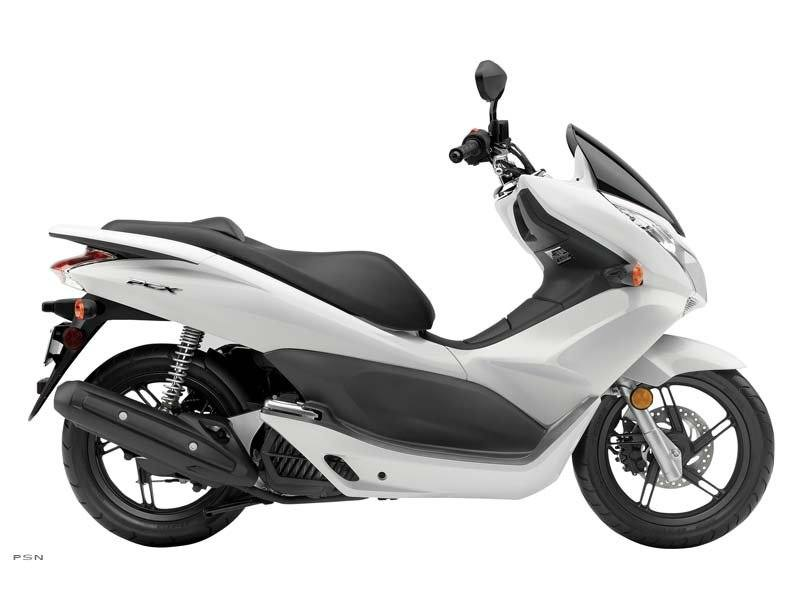 2011 Honda PCX™ in Hicksville, New York - Photo 2