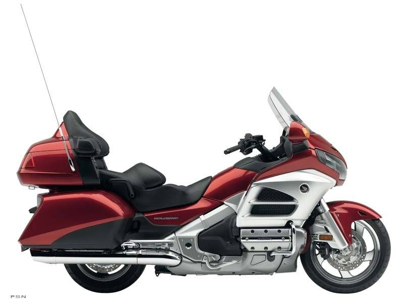 2012 Honda Gold Wing® Audio Comfort in Hicksville, New York - Photo 2
