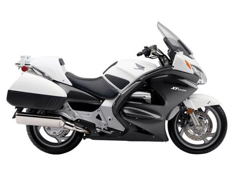 2014 Honda ST1300PA in Warren, Michigan