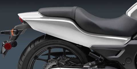 2015 Honda CTX®700N DCT ABS in Edwardsville, Illinois - Photo 7