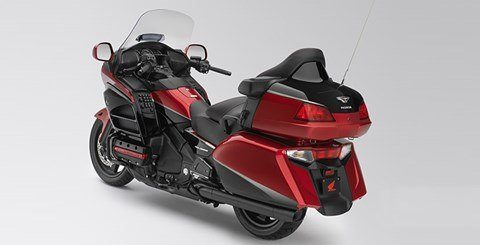 2015 Honda Gold Wing® Valkyrie® in Woodinville, Washington - Photo 6