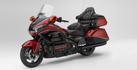 2015 Honda Gold Wing® Valkyrie® in Woodinville, Washington - Photo 9
