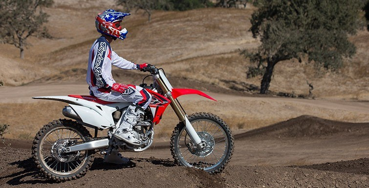 2015 Honda CRF®250R in Hicksville, New York - Photo 16