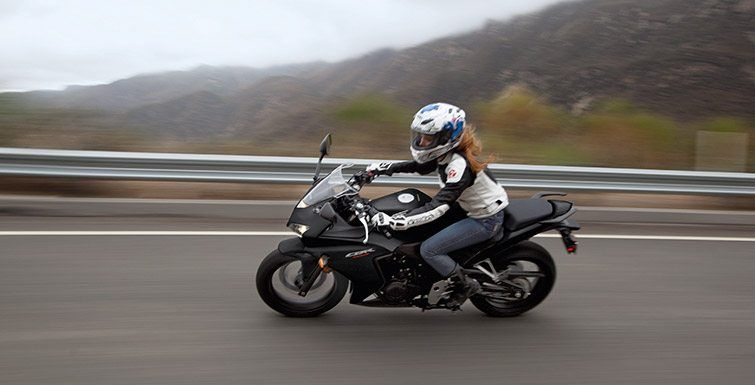 2015 Honda CBR®500R in San Francisco, California - Photo 2