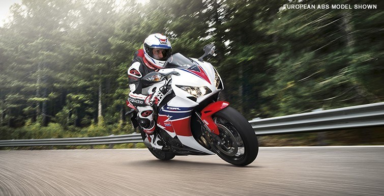 2015 Honda CBR®1000RR in Warren, Michigan