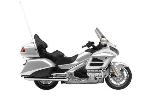 2015 Honda Gold Wing® Navi XM in Sterling, Illinois - Photo 7