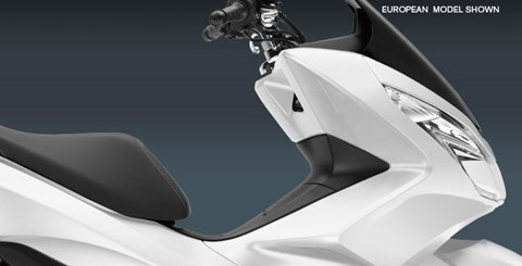 2015 Honda PCX150 in North Reading, Massachusetts - Photo 4