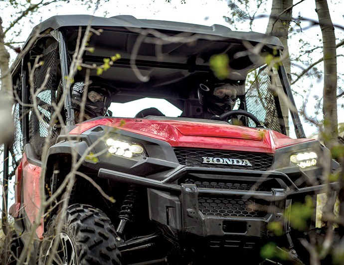 2016 Honda Pioneer 1000-5 Deluxe in North Reading, Massachusetts