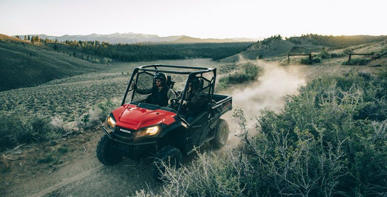 2016 Honda Pioneer 1000 in Newport, Maine