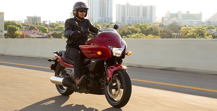 2017 Honda CTX700 DCT in Lapeer, Michigan - Photo 2