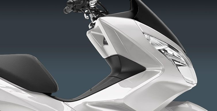 2017 Honda PCX150 in Phillipston, Massachusetts