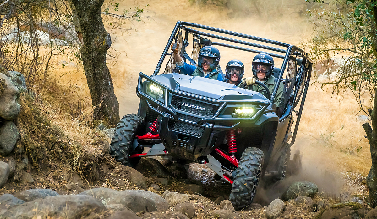 2017 Honda Pioneer 1000-5 Deluxe in Grass Valley, California