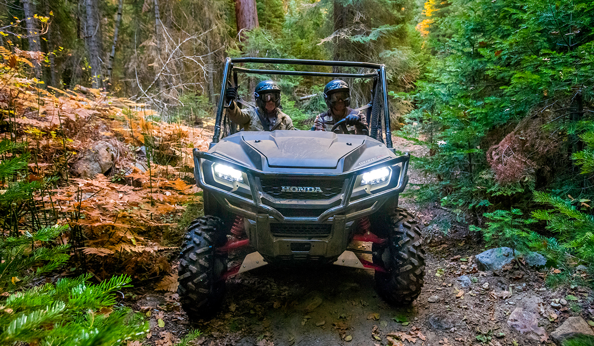 2017 Honda Pioneer 1000 LE in Hot Springs National Park, Arkansas