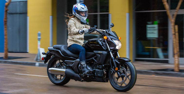 2018 Honda CTX700N DCT in Moline, Illinois