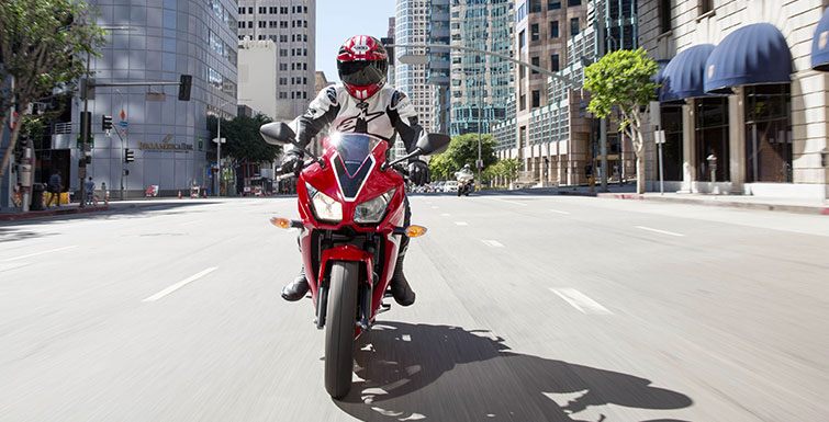 2018 Honda CBR300R ABS in Berkeley, California - Photo 3