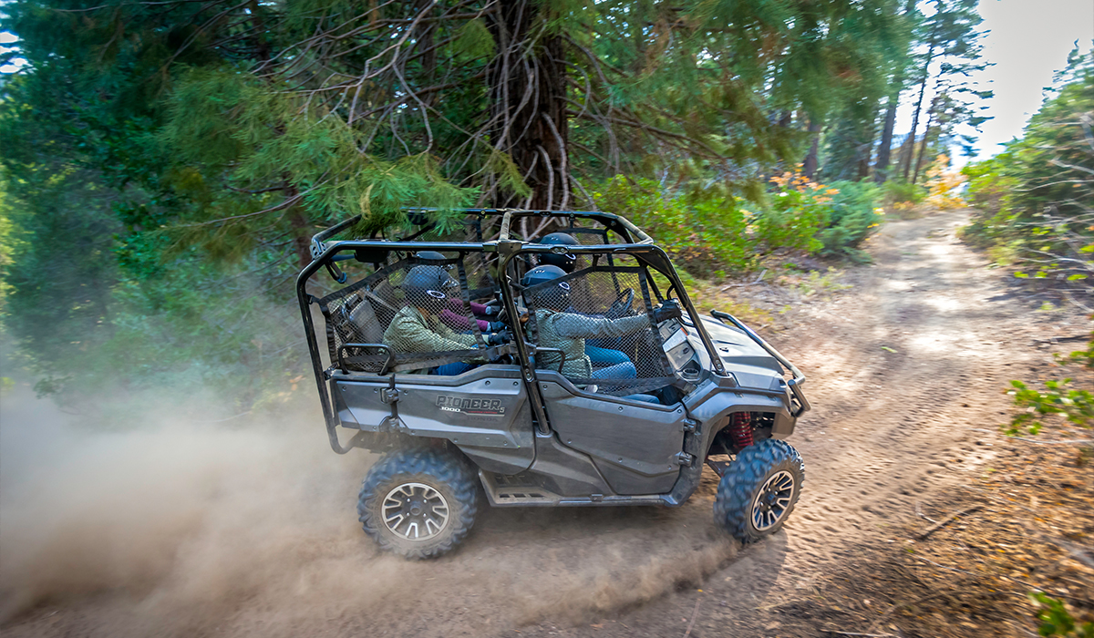 2018 Honda Pioneer 1000-5 Deluxe in Port Angeles, Washington
