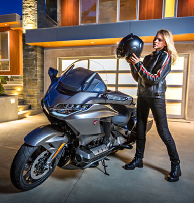 2019 Honda Gold Wing Tour Automatic DCT in Lapeer, Michigan - Photo 2