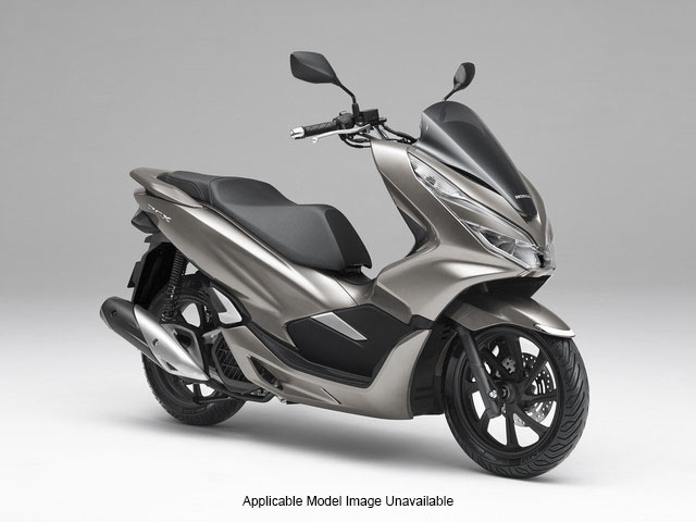 2019 Honda PCX150 in West Bridgewater, Massachusetts - Photo 2