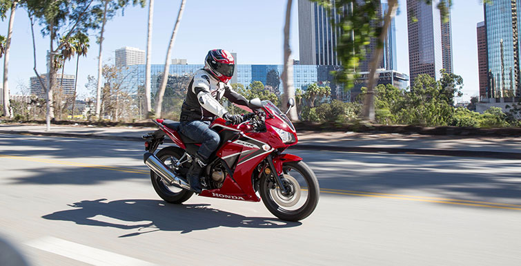 2019 Honda CBR300R ABS in Fremont, California - Photo 2