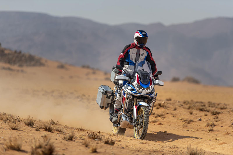 2021 Honda Africa Twin DCT in Leland, Mississippi - Photo 2