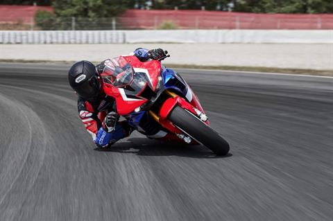 2021 Honda CBR1000RR-R Fireblade SP in Hollister, California - Photo 3