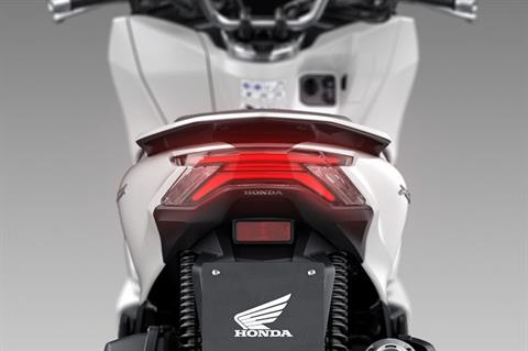 2021 Honda PCX150 in Bakersfield, California - Photo 6