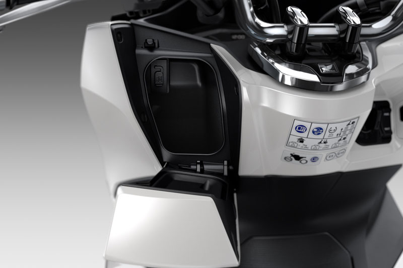 2021 Honda PCX150 ABS in Adams, Massachusetts - Photo 2
