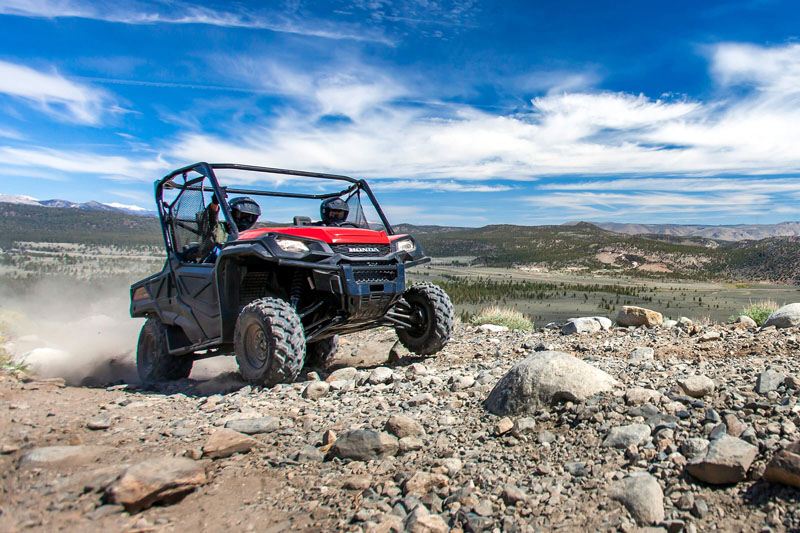 2021 Honda Pioneer 1000 Deluxe in New Strawn, Kansas - Photo 2