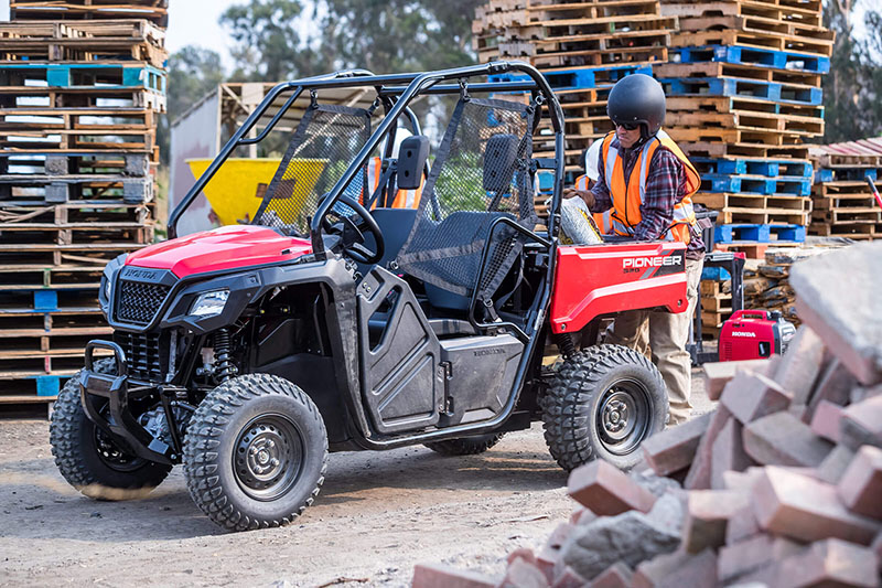 2021 Honda Pioneer 520 in Mineral Wells, West Virginia - Photo 5